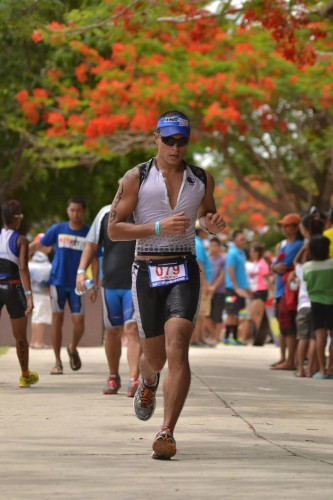 John Rueth running at the Hunat Sugbu Triathlon in Oslob, Cebu